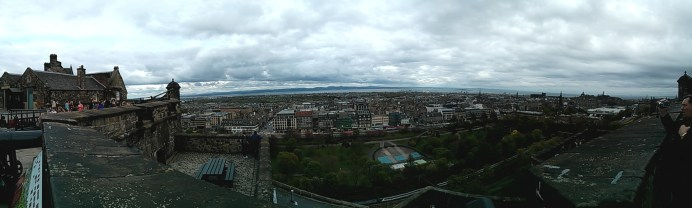 0_panoramic_edinburgh_castle