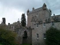 cawdor_castle_2