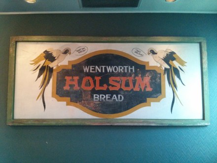 hill_house_inn_sign_wentworth_holsum_bread