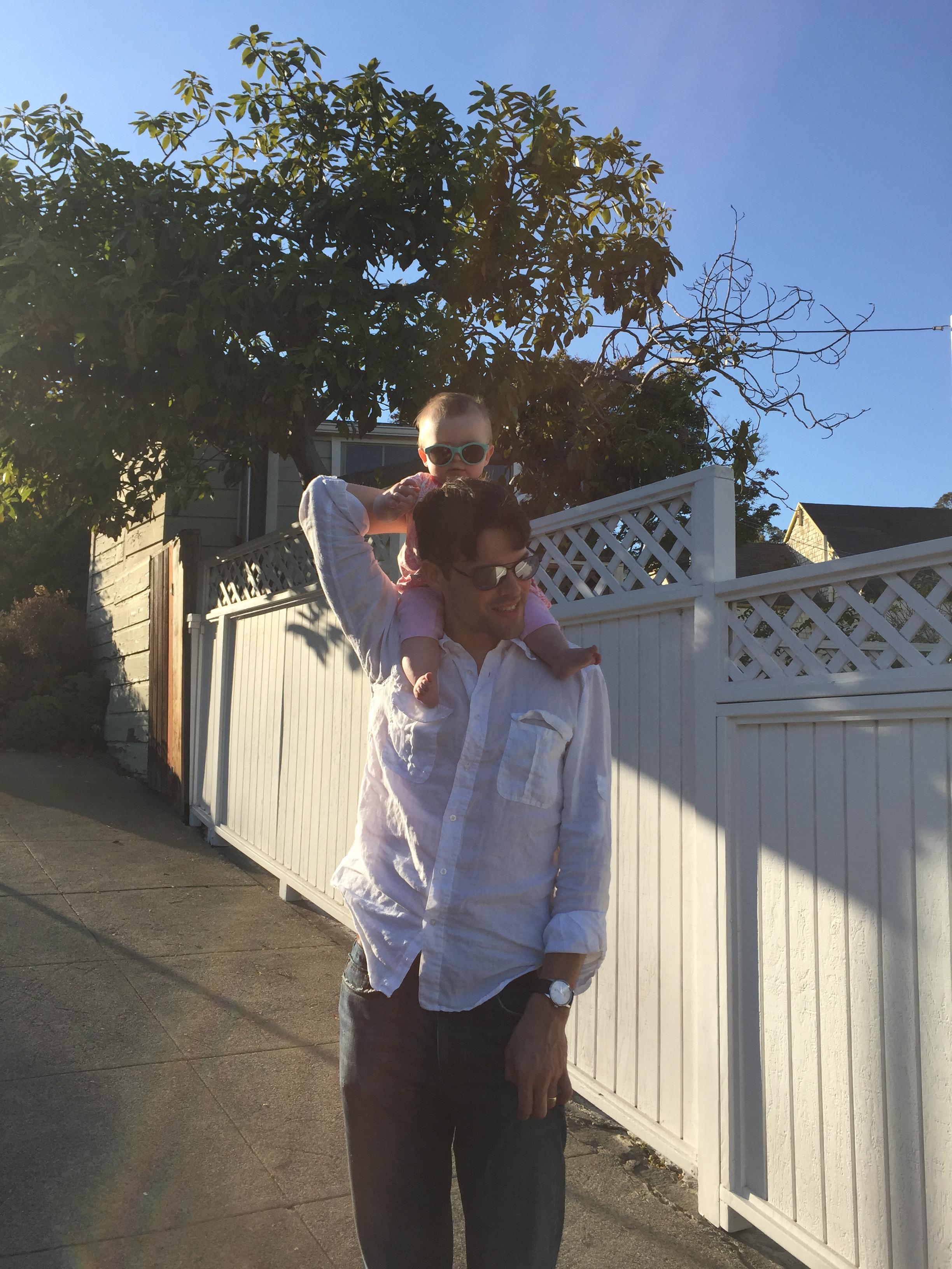 shoulders_sunglasses