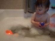 bath_light_up_goldfish