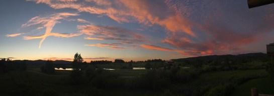 house_sunset_pano