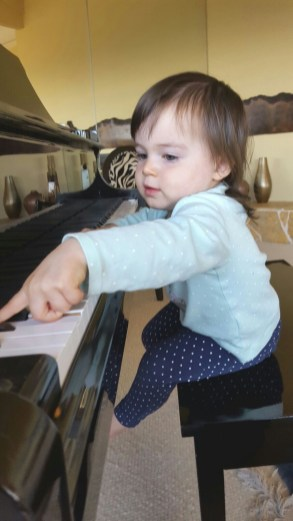 playing_piano_2