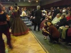 dickens_fair_watching_dancing