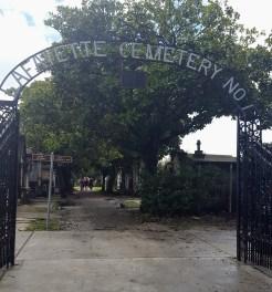 lafayette_cemetery_gate