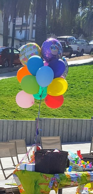 table_balloons