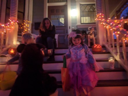 trick_or_treating_smiling