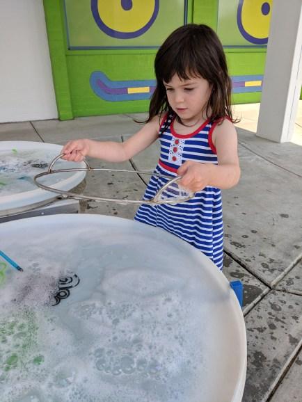 kids_museum_bubbles