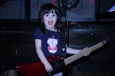 rock_band_land_guitar_2
