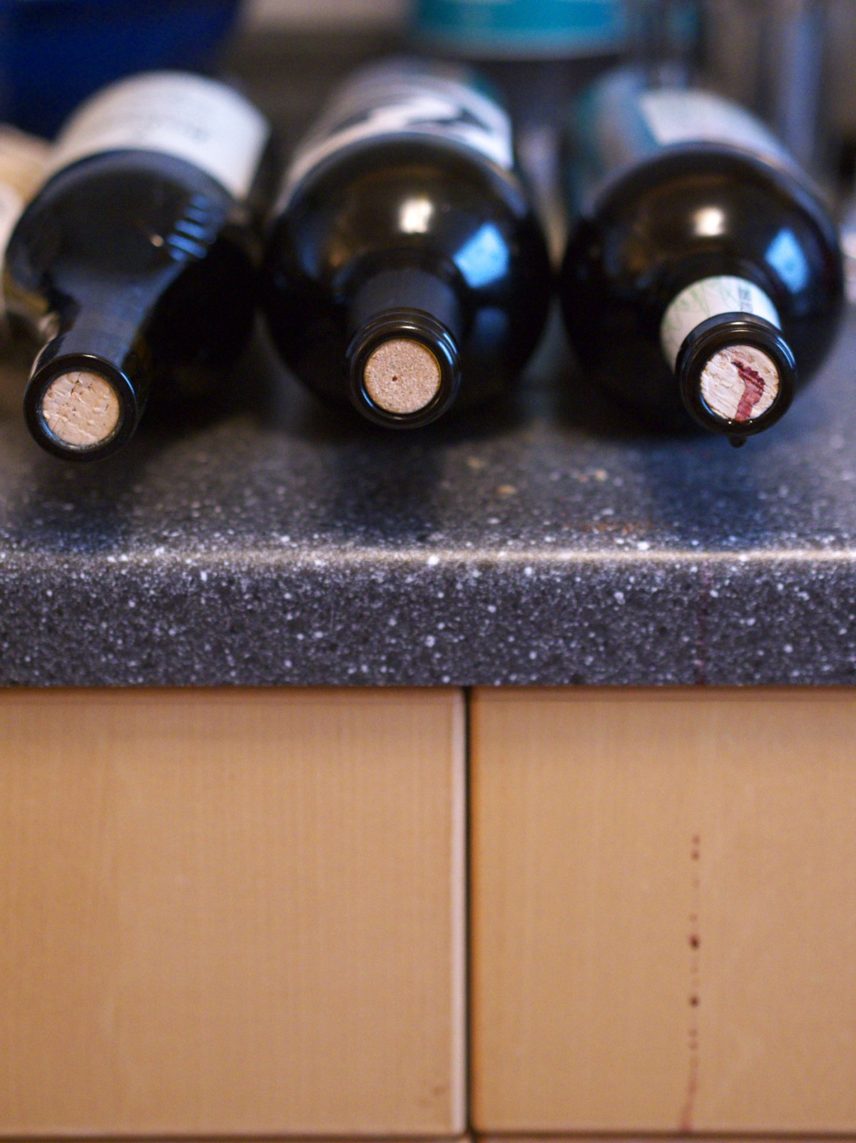Leaking corks on three red wines after access by Coravin