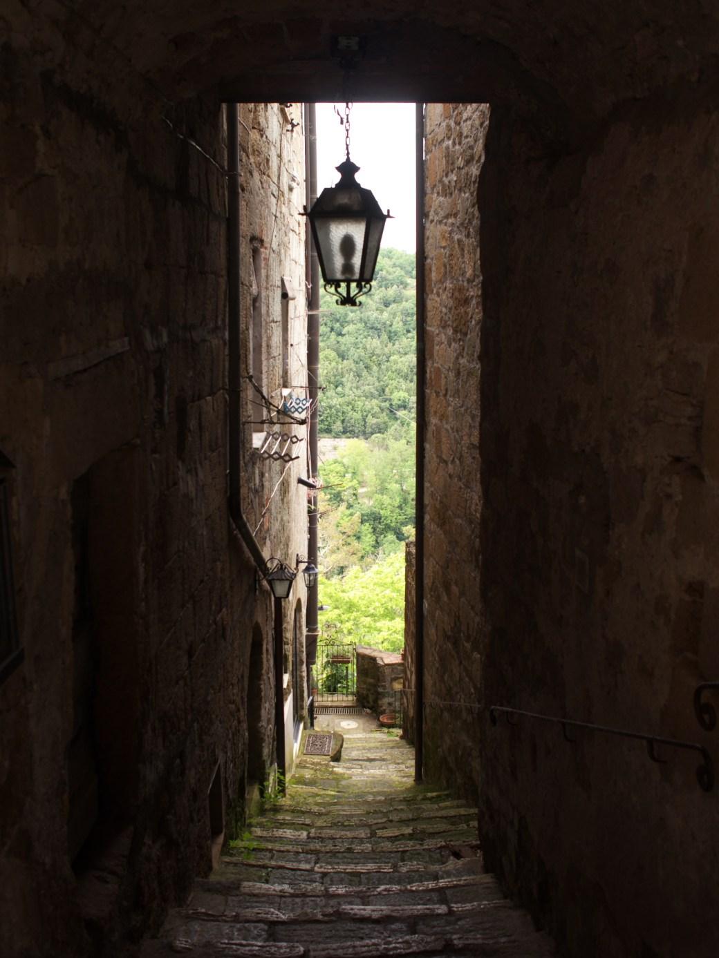 An alley in Pitigliano