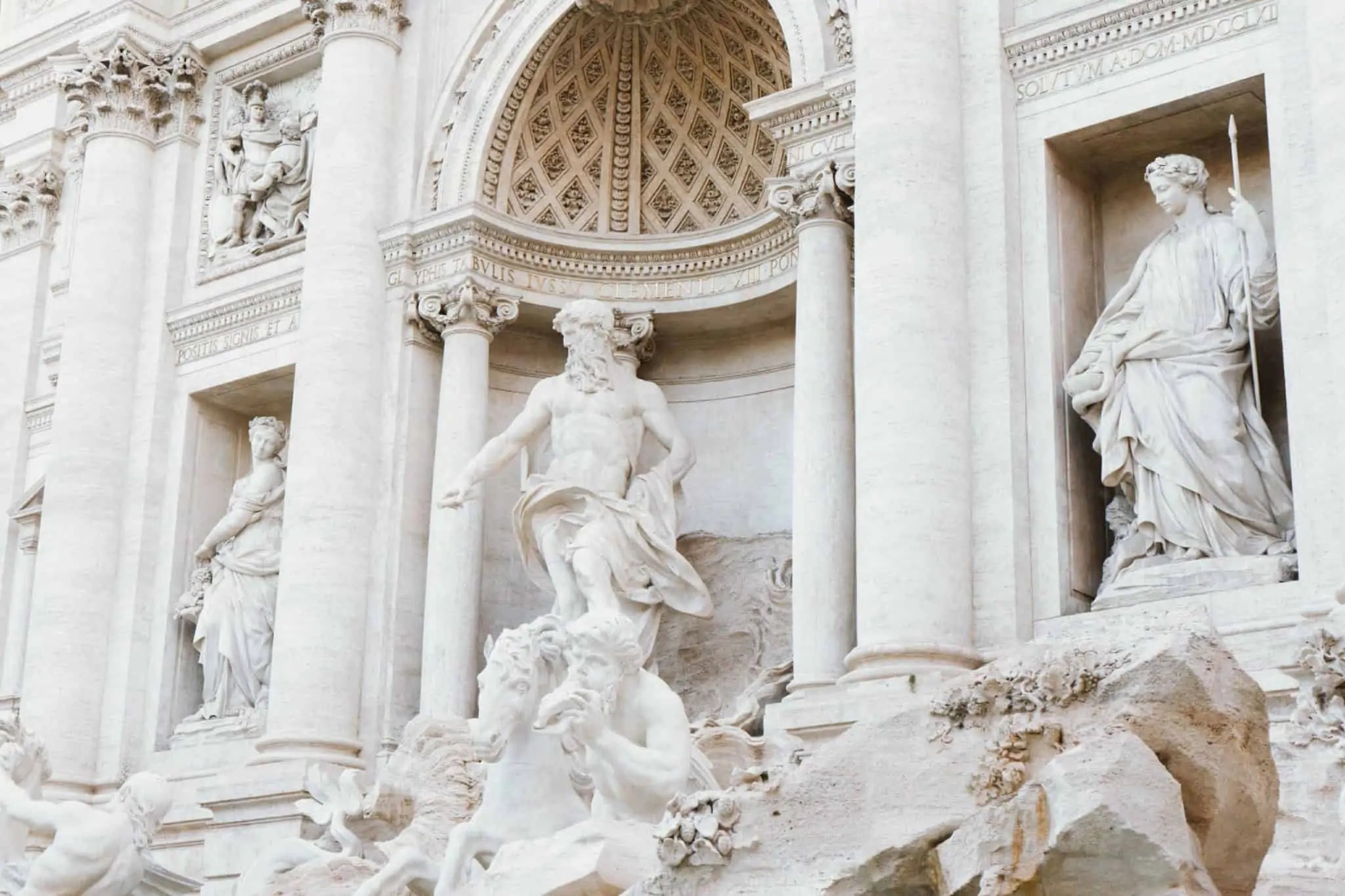 Must-See Rome's Famous Trevi Fountain