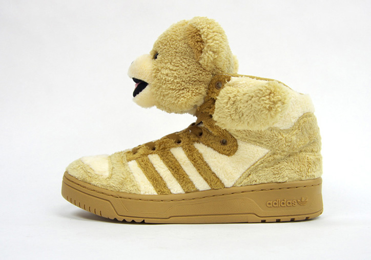 Photo02 - adidas