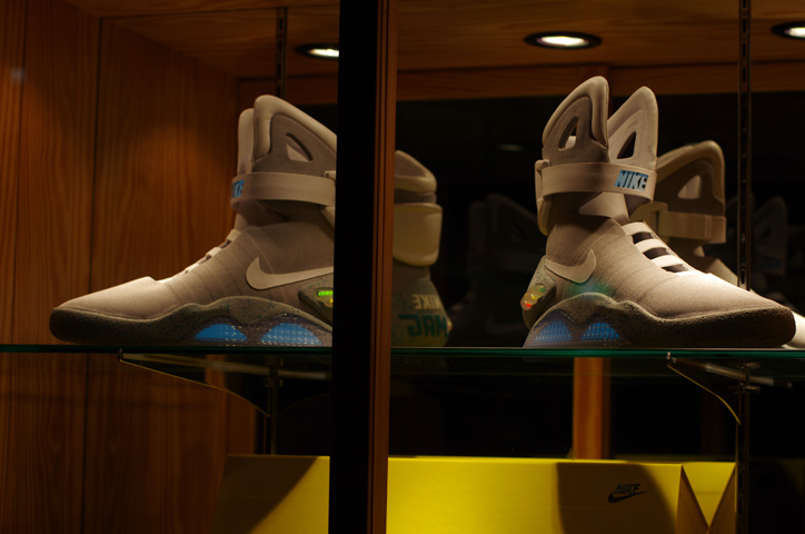 "Photo02 - UNDEFEATED TOKYO Store Exhibition ""WELCOME TO THE 2011 NIKE MAG"" Recap"
