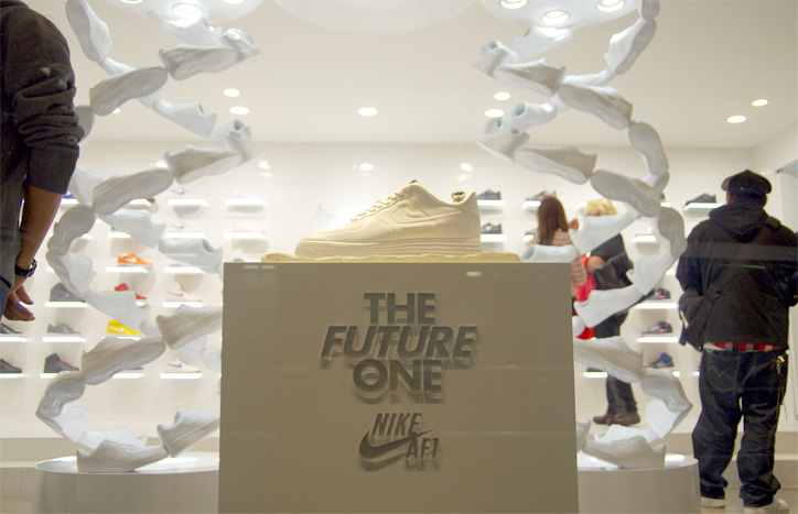 Photo02 - Interview with Bobbito Garcia & Kevin Couliau at NIKE AIR FORCE 1 THE PIVOT POINT
