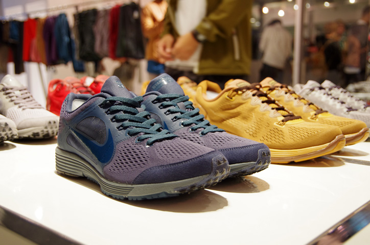 Photo05 - NIKE x UNDERCOVER GYAKUSOU HOLIDAY 2013 Collection Reception Recap