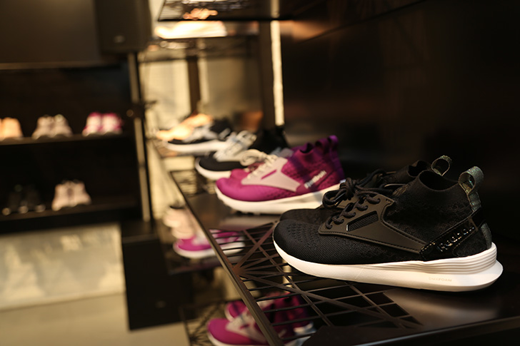 Photo02 - SNEAKER SPEAKER Vol.12 in Reebok CS Harajuku