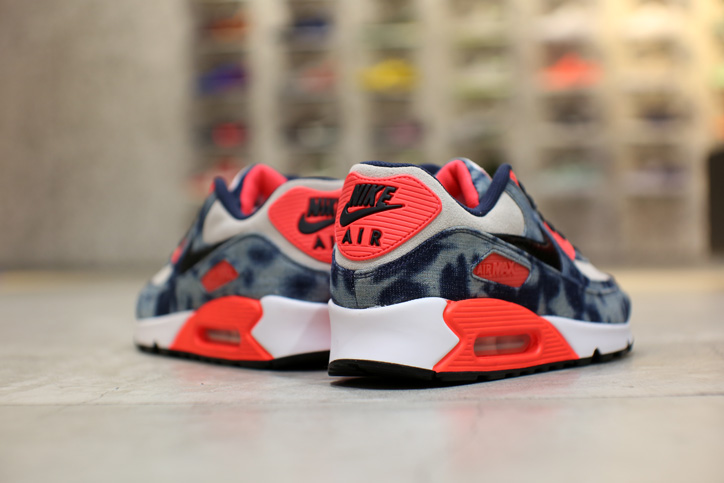 "Photo09 - Interview with Sports Lab by atmos Director Koji ""NIKE AIR MAX 90 Bleach Denim Collection"""