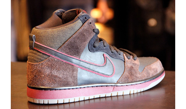 Photo02 - Brooklyn Projects x Nike SB Dunk High – Reign In Blood