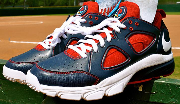 91a2a2de124e Photo01 - Sony Playstation x Nike Zoom Huarache TR Low – Joe Mauer MLB The  Show