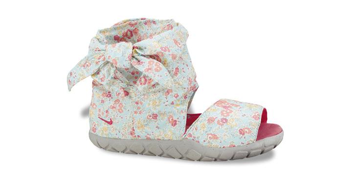 Photo02 - Liberty x Nike Wmns Chukka Moc Hi Sandal Premium