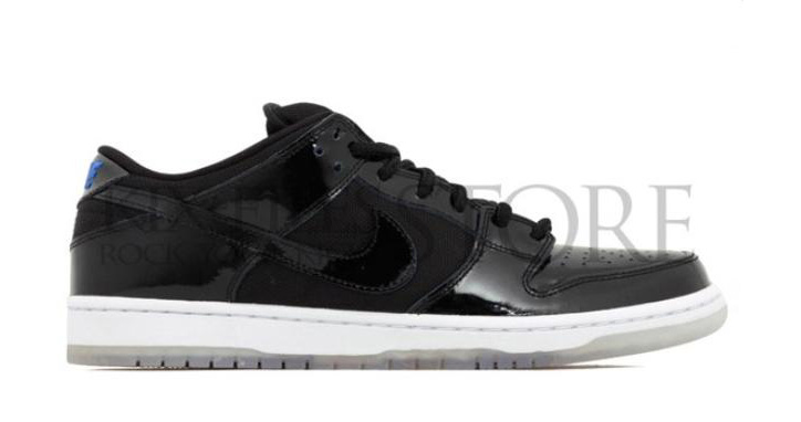 "Photo01 - NIKE SB DUNK LOW ""SPACE JAM"""
