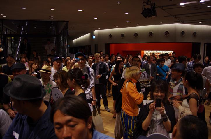 Photo11 - 「2011 NIKE MAG」オークション