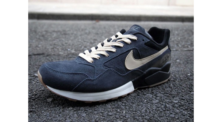 Photo05 - Nike Sportswear Air Pegasus 92 Decon QS London & New York Packs