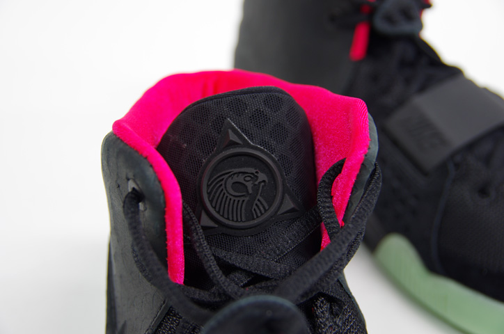 Photo13 - NIKE AIR YEEZY II NRG 販売方法