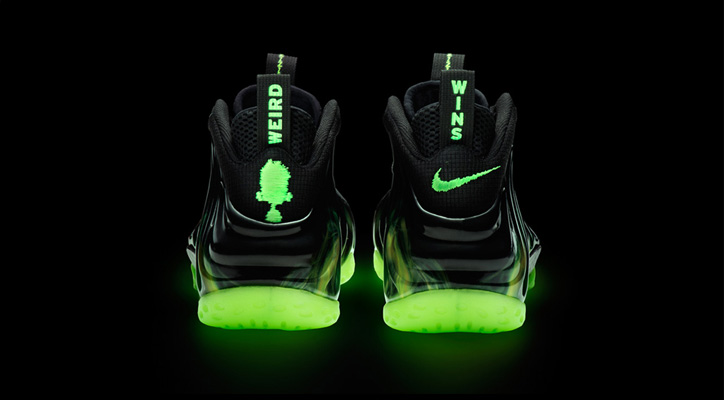 """Photo02 - Nike Air Foamposite One """"ParaNorman"""""""