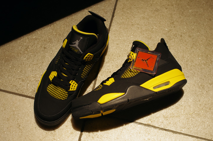 "Photo04 - AIR JORDAN 4 RETRO ""Thunder"" Japan Release Date"