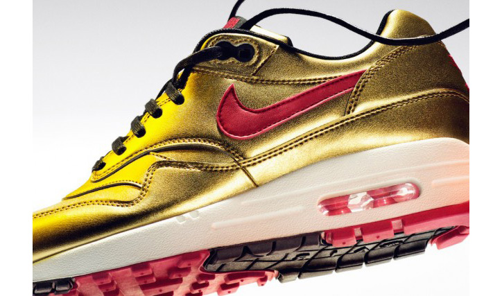 Photo02 - Nike Air Max 1 Gold Metallic/Infrared Spring 2013