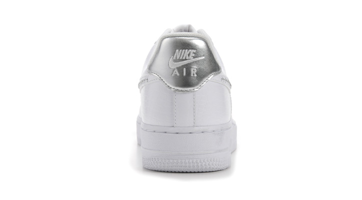 Photo10 - ウィメンズモデル「NIKE AIR FORCE 1 LIGHT HIGH」「NIKE AIR FORCE 1 '07」が発売