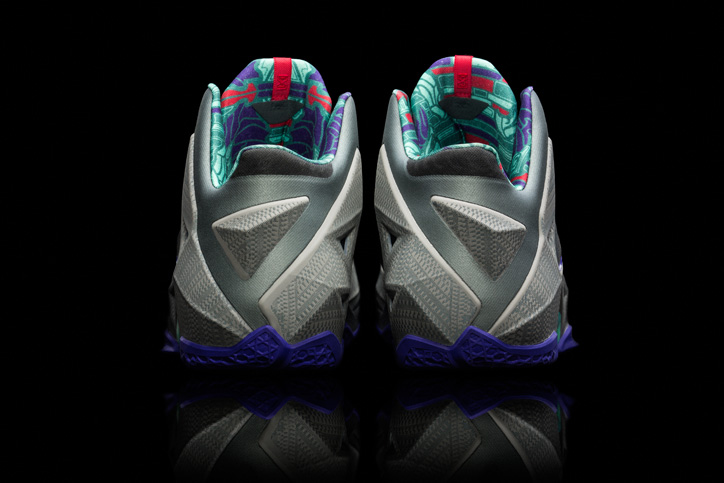 Photo09 - NIKE LEBRON 11 KING'S PRIDE / TERRACOTTA WARRIOR