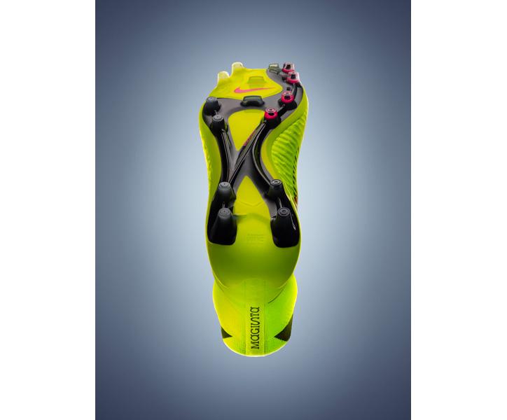Photo03 - ナイキがフットボールスパイクを永遠に変える新スパイク「マジスタ」を発表