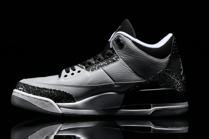 Photo03 - NIKE AIR JORDAN 3 RETRO WOLF GREY/METALLIC SILVER-BLACK/WHITE が発売