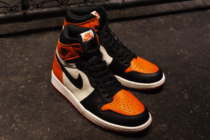 "Photo01 - NIKE AIR JORDAN 1 RETRO HIGH OG ""SHATTERED BACKBOARD"""