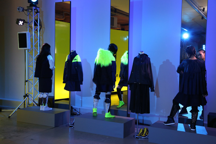 Photo13 - NikeLab x sacaiがスポーツウェアの定番に暖かく贅沢なひねりを加えた秋冬のコレクションを発表