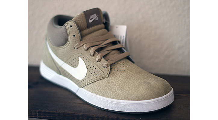 Photo02 - Nike SB Paul Rodriguez 5 Mid Spring 2012