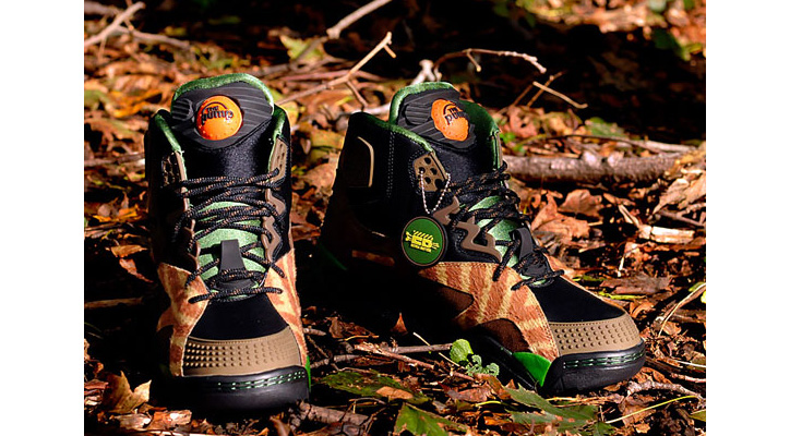 "Photo01 - Extra Butter x Reebok Pump OXT ""Sheriff Ahchoo"""