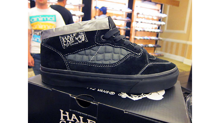 Photo01 - Vans 20th Anniversary Half Cab – Supreme Exclusive
