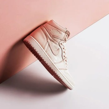 Air_Jordan_1_Retro_High_OG_-_Guava_Ice-Sail_-_555088-801-August_22_2018-1_1024x1024