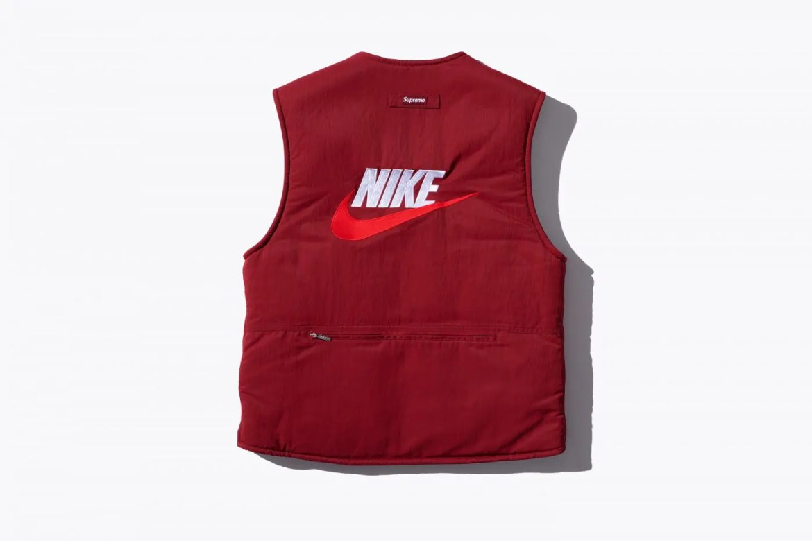 supreme-nike-18aw-collaboration-20180929-week6-reversible-vest-red-2