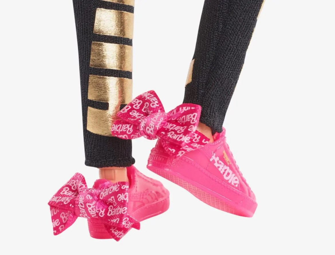 Barbie x PUMA Unveil an Exclusive Doll Set for the Suede Sneaker 50th Anniversary-08