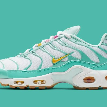 nike-air-max-plus-womens-easter-cj9925-300-3