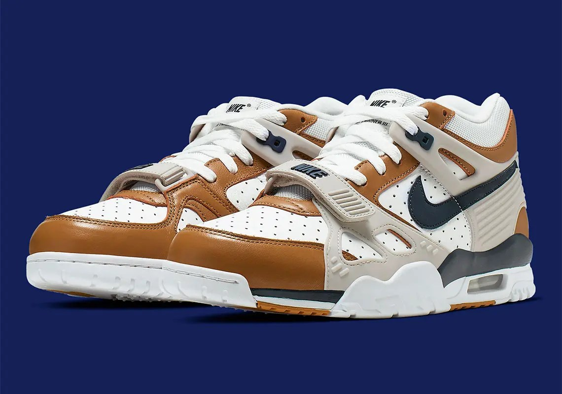 nike-air-trainer-3-medicine-ball-CJ1436-100-2