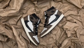 Nike Travis Scott Air Jordan 1 Retro High OG-12
