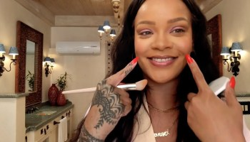 Rihanna's Epic 10-Minute Guide to Going Out Makeup Beauty Secrets Vogue-01