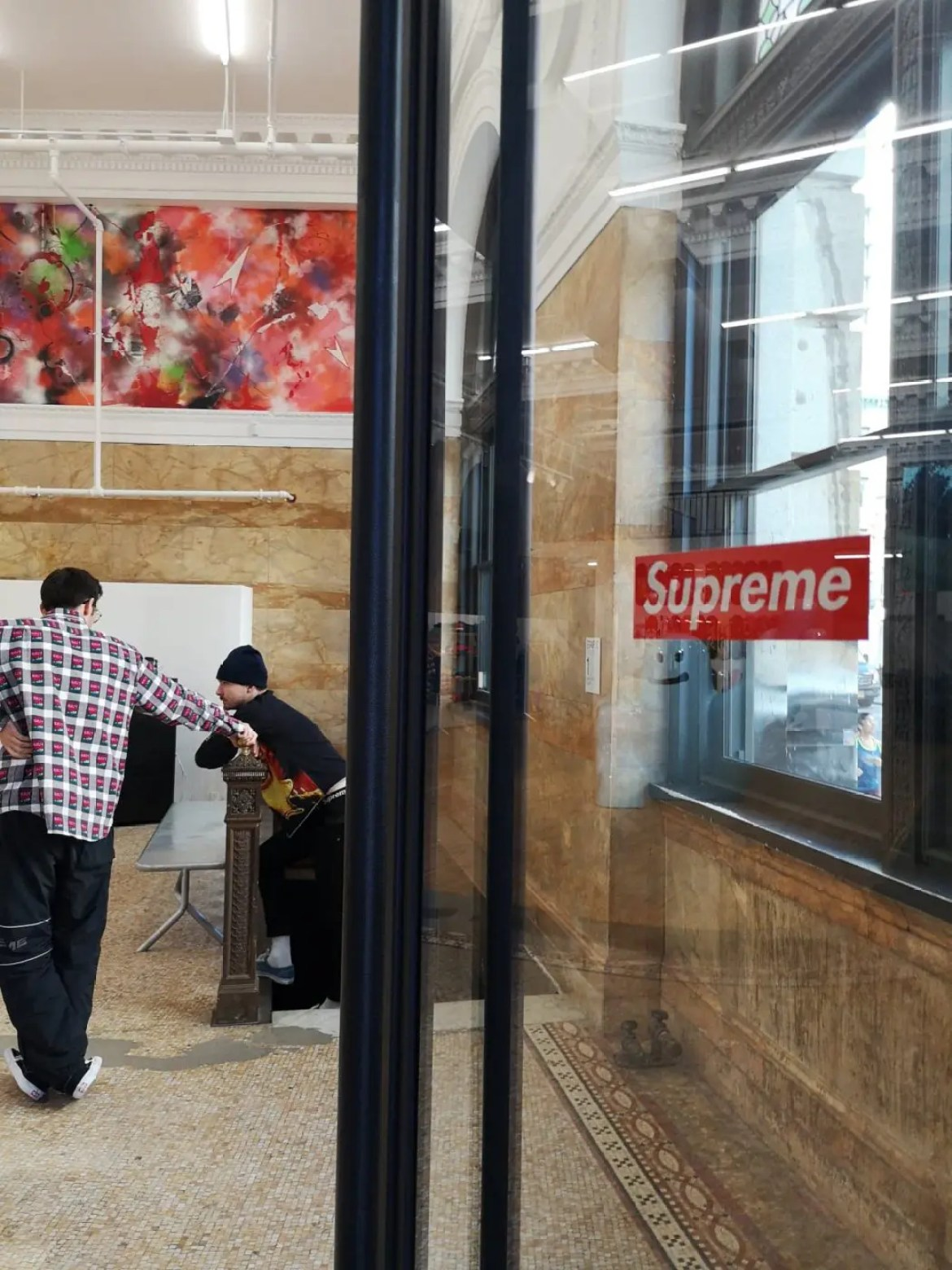 Supreme_2019ss_temp_store_bowery_spring_3
