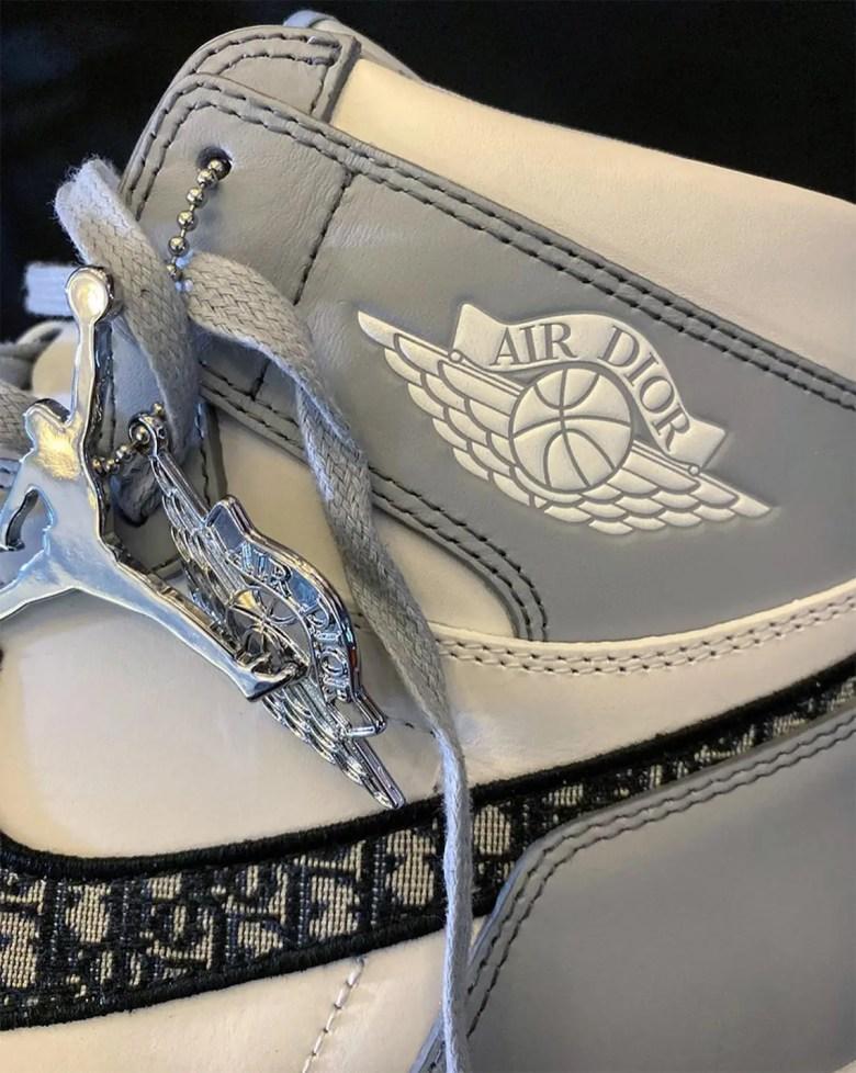 Dior × Nike Air Jordan 1 High OG (ディオール × ナイキ エア ジョーダン 1 ハイ OG)